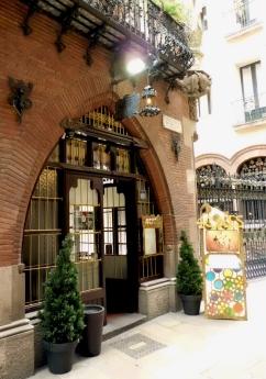 Barcelona, Spain © trashbus/Renata Britvec, 2013