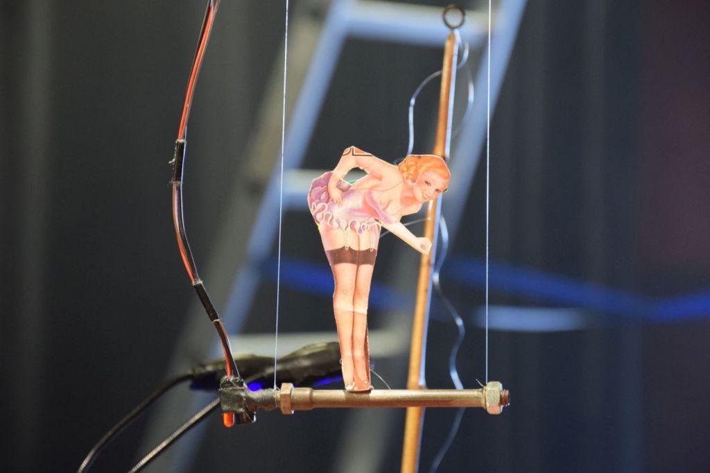 Le petit cirque. Laurent Bigot. Jubiläumskonzert der Dinge. Schaubude Berlin. 2018 © Trashbus ǀ Renata Britvec
