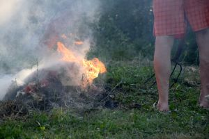 Fire II. Summer. Short Hellos & Long Goodbyes. LipnicaTuzla, BiH. 2017 © Trashbus ǀ Renata Britvec