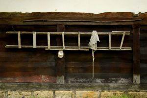 Ladder, Cap and Apron. Winter. Short Hellos & Long Goodbyes. LipnicaTuzla, BiH. 2017 © Trashbus ǀ Renata Britvec