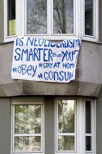 Is Neoliberalism Smarter than You. Left Behind. Berlin, 2020. © Trashbus ǀ Renata Britvec