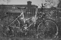 Chained up Bike. Ghost Night. Berlin, 2020. © Trashbus ǀ Renata Britvec