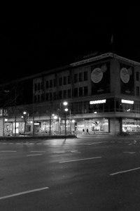 Hermannplatz. Ghost Night. Berlin, 2020. © Trashbus ǀ Renata BritvecHermannplatz. Ghost Night. Berlin, 2020. © Trashbus ǀ Renata Britvec